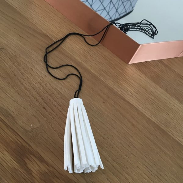Box Chain Necklace White tassel